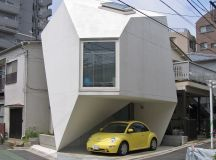 50 Narrow Lot Houses That Transform A Skinny Exterior Into Something Special images 5