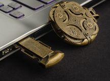 Product Of The Week: A Beautiful, Mechanically Locked USB Drive images 1