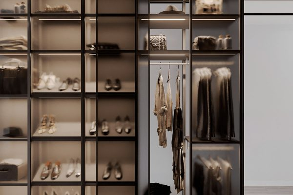 Closet-system-1-600x400 Black, White & Beige Apartment For The Fashionista