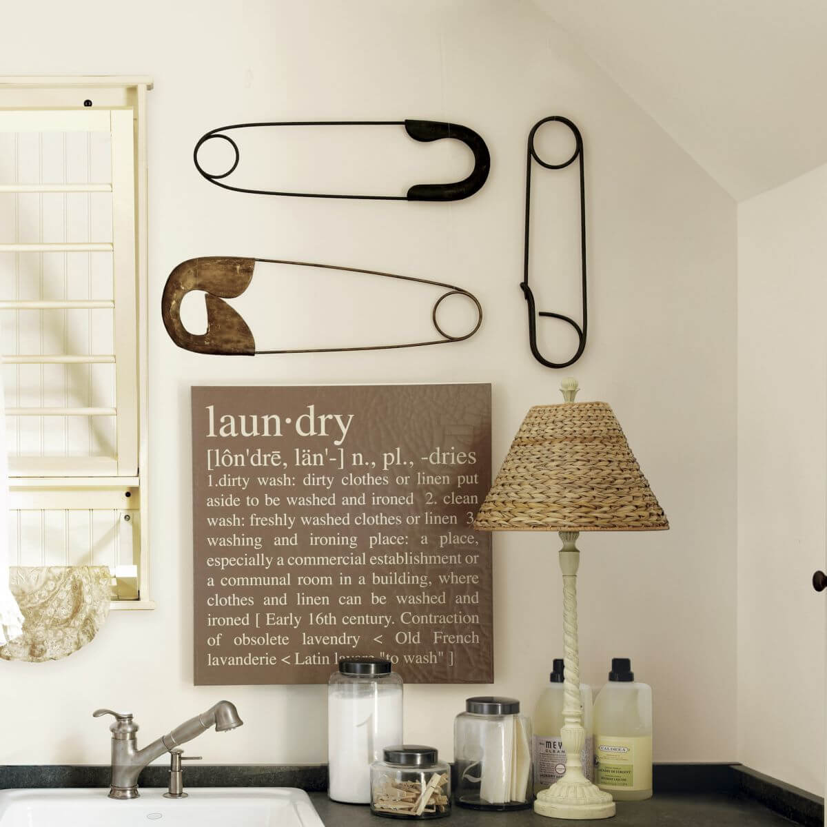 25 Best Vintage Laundry Room Decor Ideas And Designs For