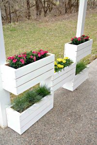 32 Best DIY Pallet and Wood Planter Box Ideas and Designs