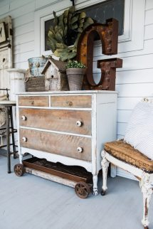 Rustic Farmhouse Front Porch Decor