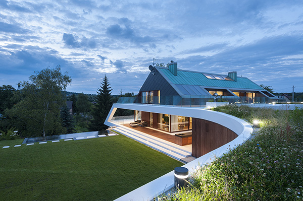 The Edge House A Clever Design On A Mountain In Poland Home