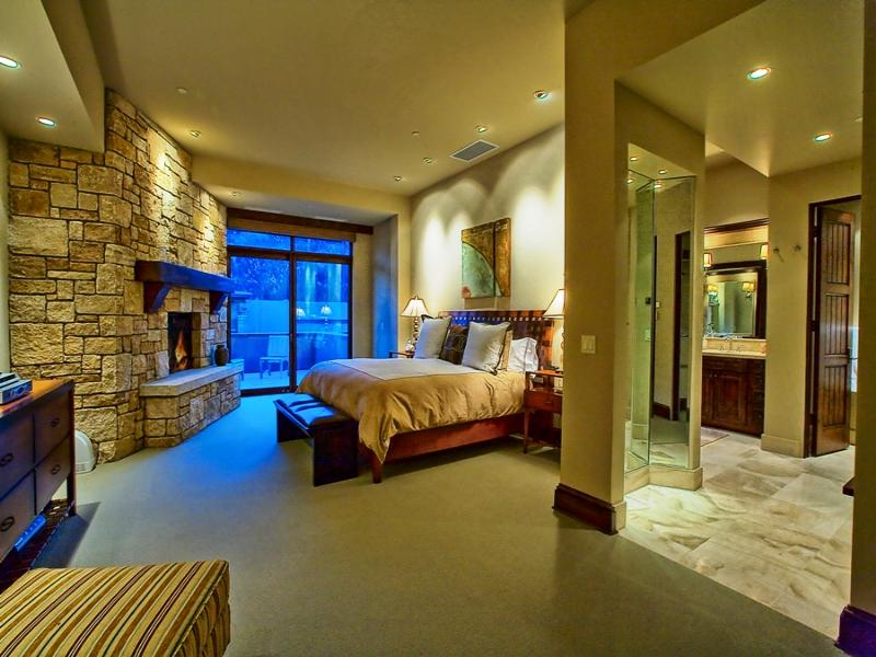 Five Suite Luxury Penthouse With Deluxe Wine Cellar In Ketchum