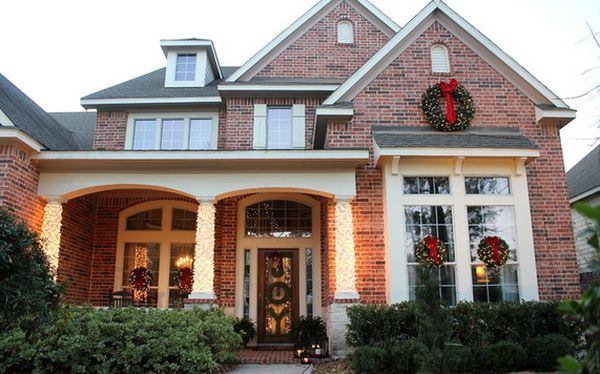 How To Decorate A House For Christmas With Lights