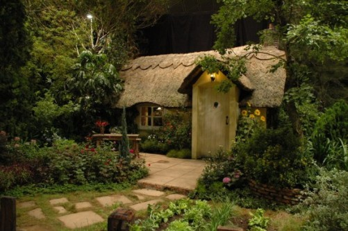 Relaxing Summer House Fairy Tale Design