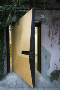 How Modern Front Doors Can Reveal The Character Of Your Home