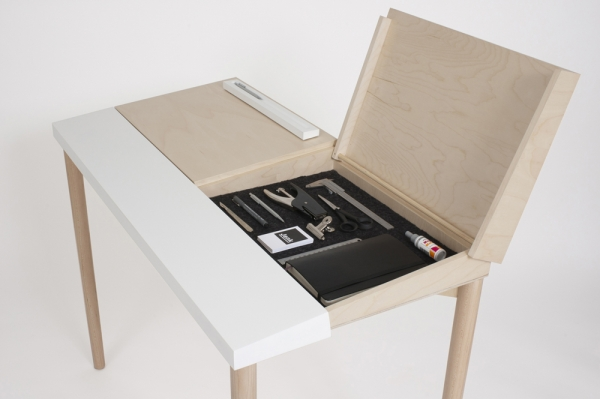 Slope Desk Simple And Functional
