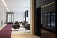 Clean, Elegant Office Interior by Landau + Kindelbacher ...