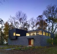 Modern House In Delaware by Robert M. Gurney