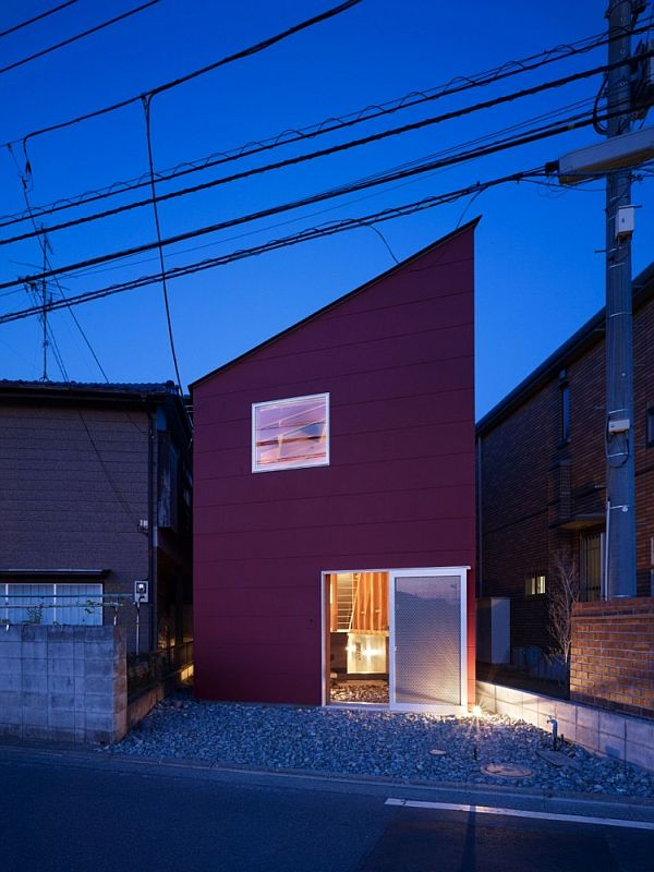 House In A Small And Narrow Site In Kanagawa Japan