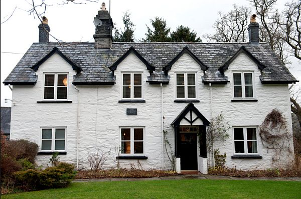 Traditional Welsh Farmhouse For Sale