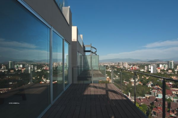 The Las Flores modern apartment in Mexico City