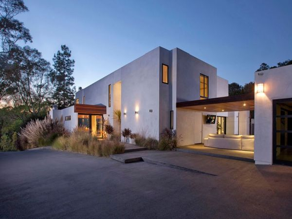 4bedroom contemporary residence in Beverly Hills