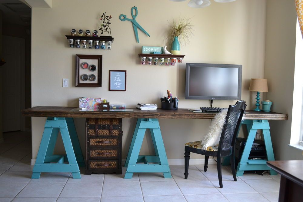 How To Build A Sawhorse Desk For Both Rustic And Modern