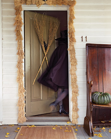 10 Ways To Decorate For A Witchy Halloween