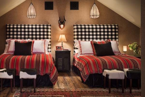 How To Decorate A Bedroom With Brown Walls