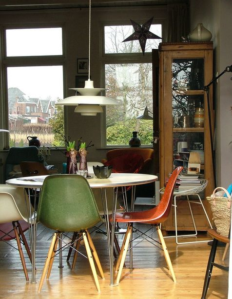eames molded side chair how to make a wood 10 beautiful interior designs featuring the plastic view in gallery
