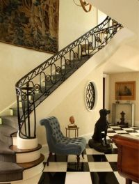 How To Arrange Chairs In A Reception Hallway