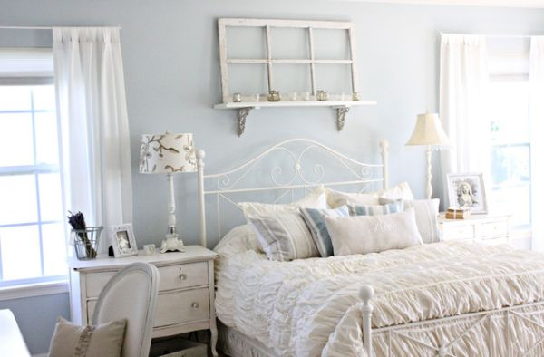 blue and white vintage bedroom How to Achieve Shabby Chic Décor