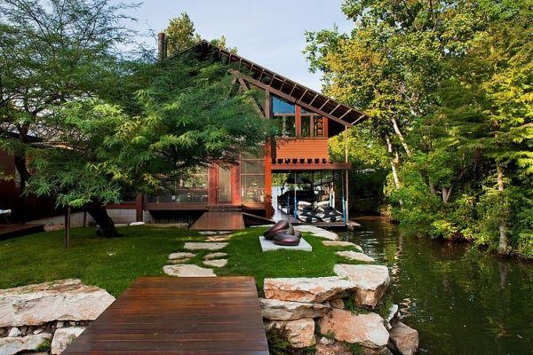 Contemporary Single Family Residence On Lake Austin