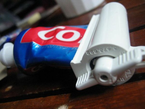 roller-toothpaste