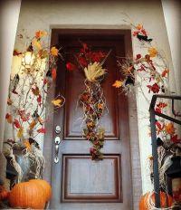 Get Into The Seasonal Spirit - 15 Fall Front Door Dcor Ideas