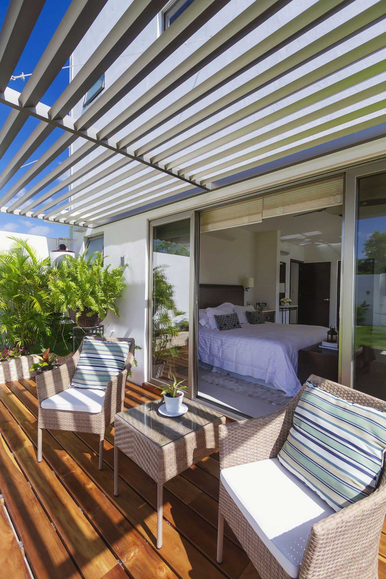 clean living room best warm paint colors casa kopche residence features the perfect indoor-outdoor ...