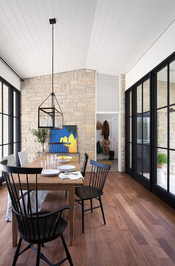 How To Make A Strong And Firm Statement With Black Framed