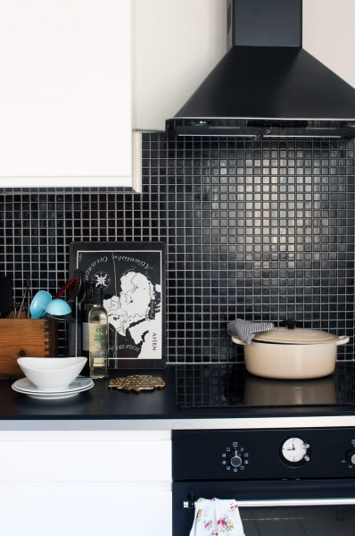 black kitchen tiles Kitchen Subway Tiles Are Back In Style – 50 Inspiring Designs