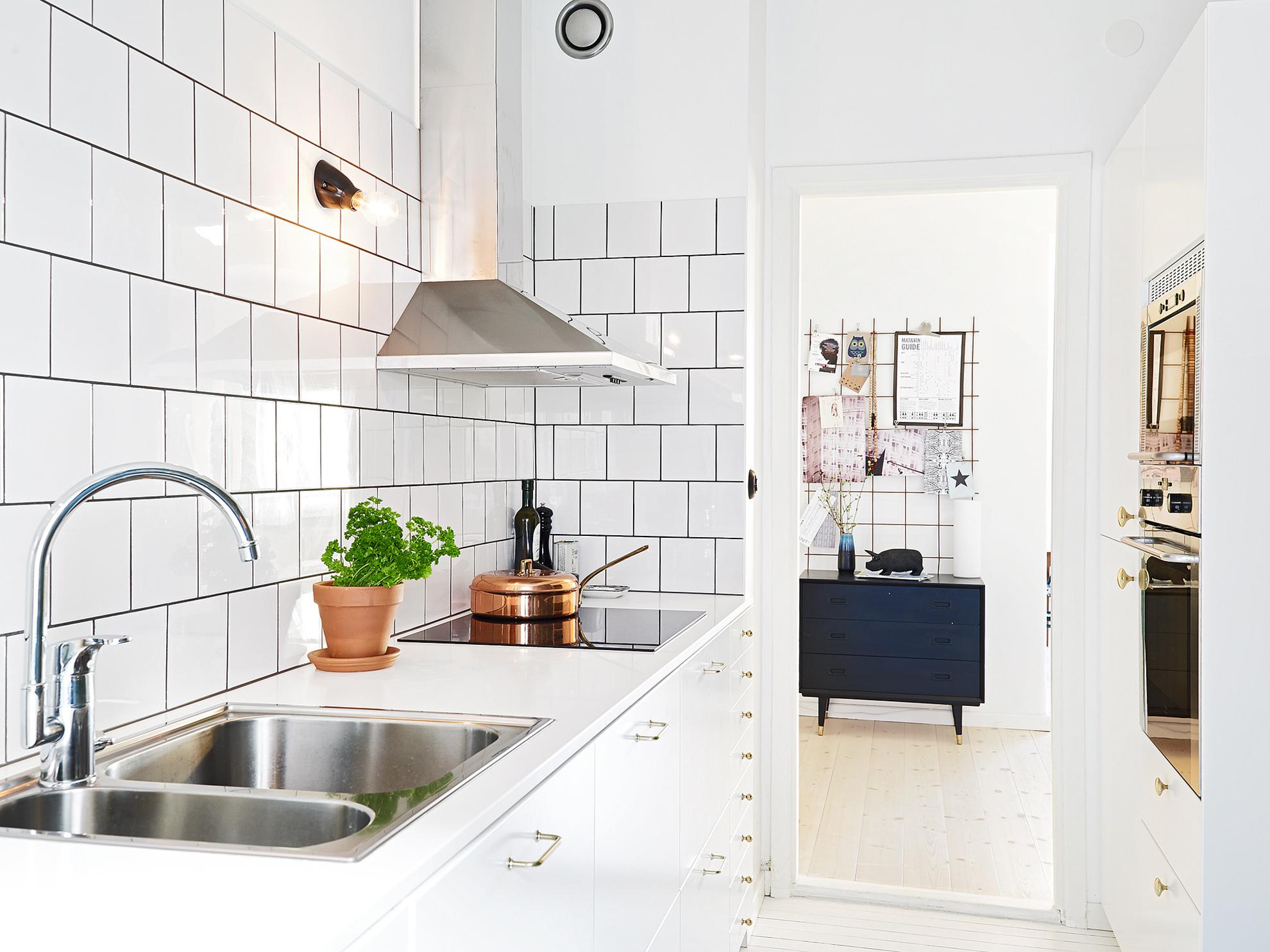 Kitchen Tiles Design White