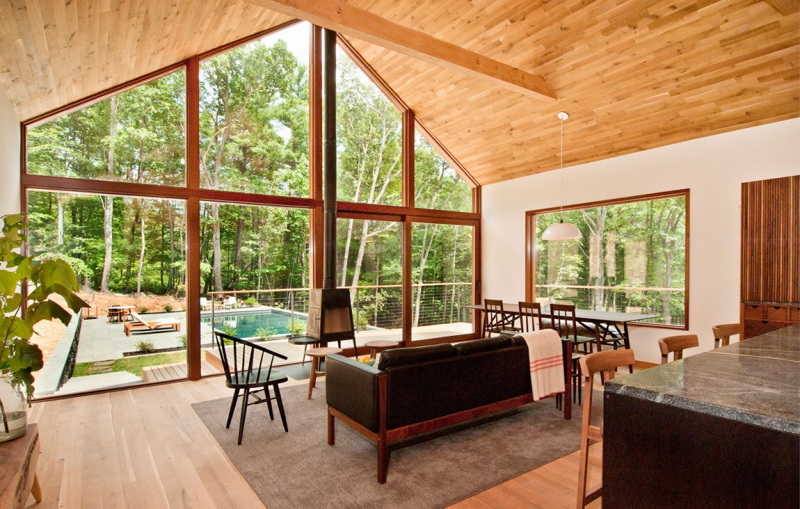 A Humble Yet Extraordinary Retreat Hidden Amidst Forests