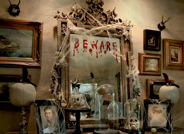 14 LastMinute Ways to Style Your Haunted Halloween Mantle