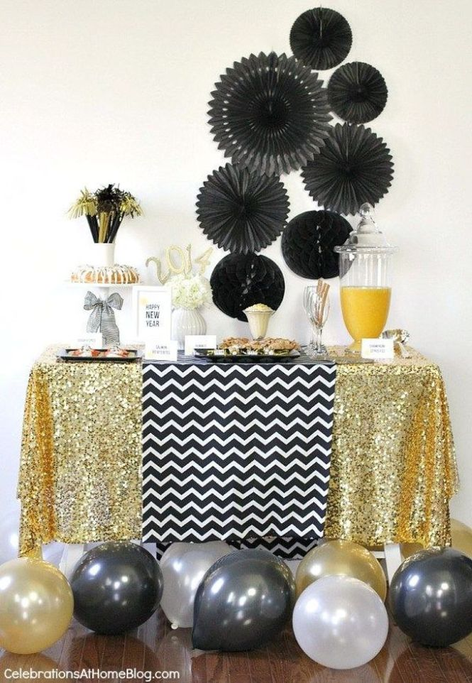 Black And White Treats Table