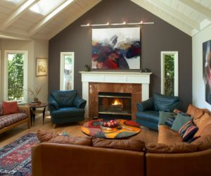 oversized couches living room tropical chairs dare to be different: 20 unforgettable accent walls