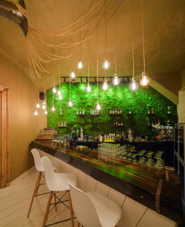 Restaurant Bar Wall