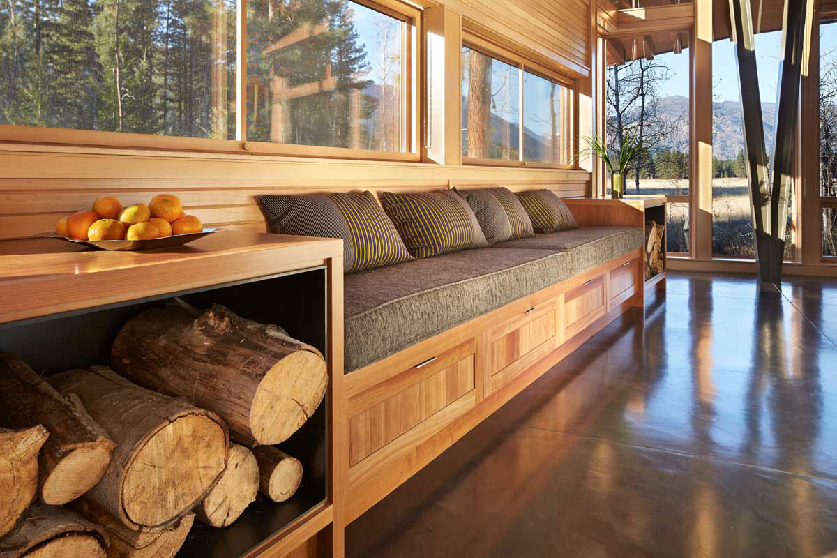 Sustainable Meadow House Blends Rustic With Modern