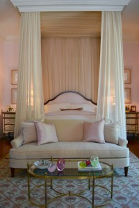 15 Canopy Beds That Will Convince You To Get One