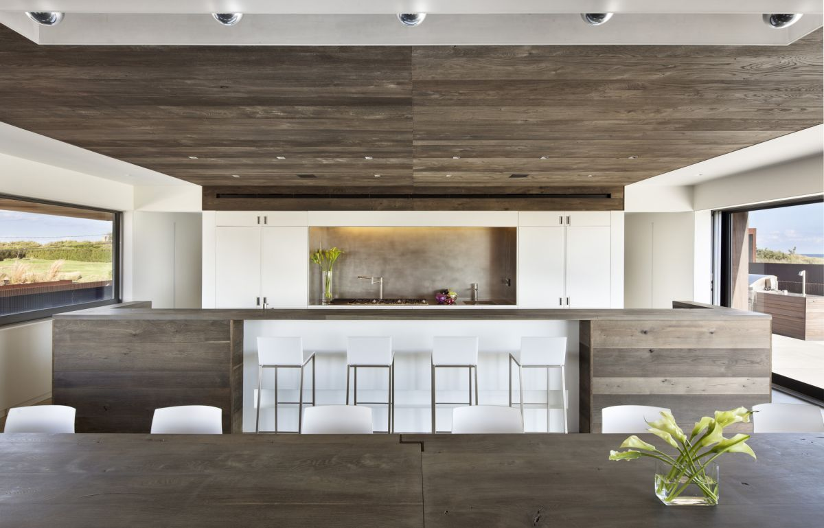 reclaiming wood for today's modern homes