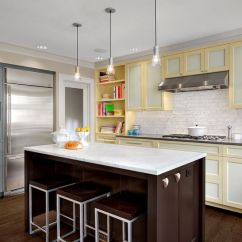 Different Color Kitchen Cabinets Sink Drain Installation 20 Kitchens With Stylish Two Tone Cottage