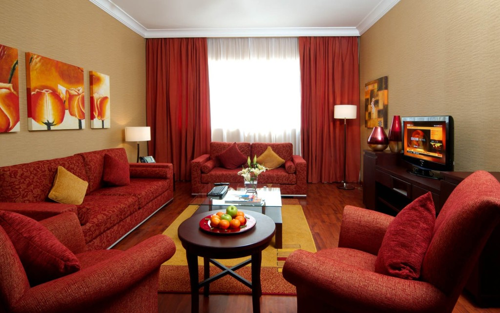 orange yellow and brown living room ideas decorating for with dark wood floors 20 colors that jive well red rooms