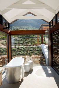 mountain-romantic-bathroom-with-view - Home Decorating ...