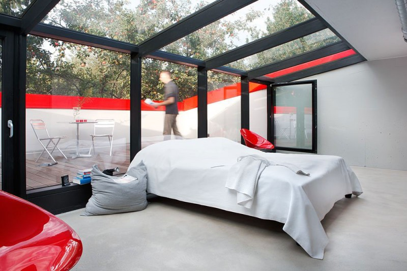 Modern Red House Looks Trendy On A Small Budget