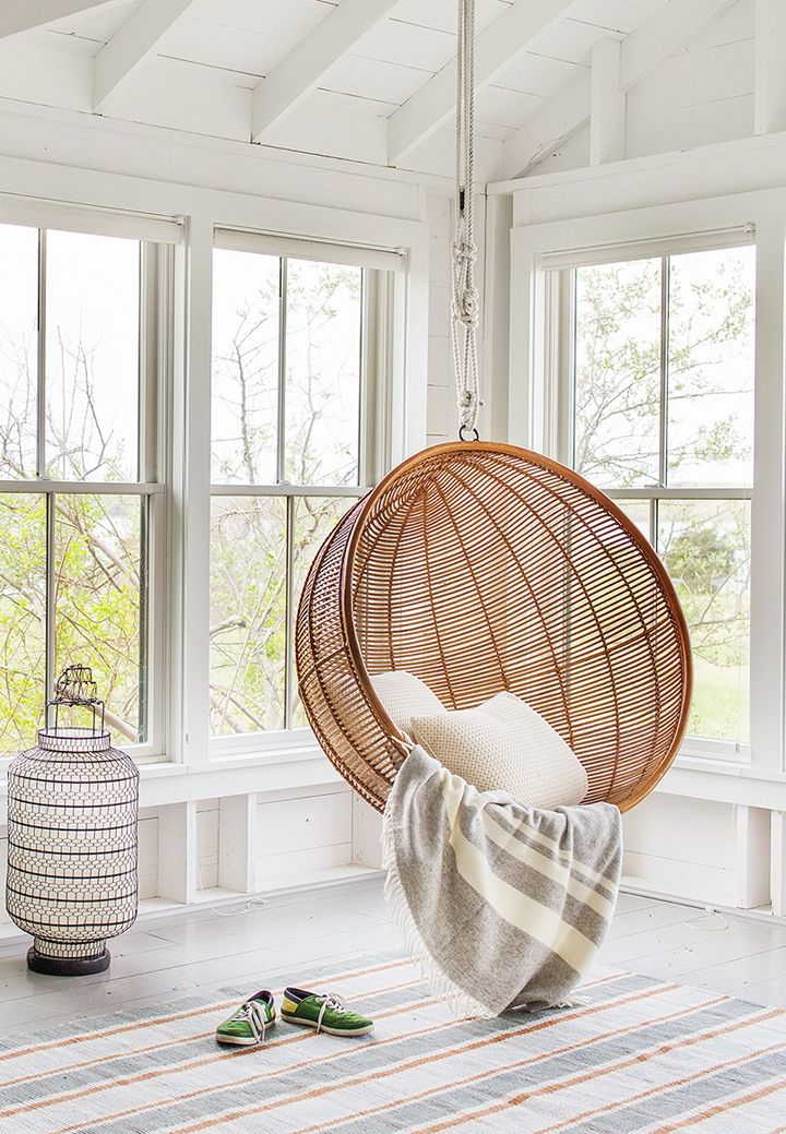15 SummerReady Cocoon Chairs That Invite Themselves In