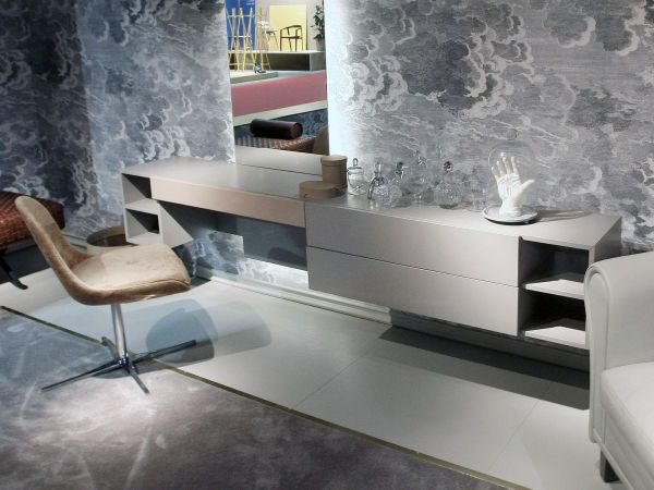 Dressing Tables With Mirrors Reflect Beauty Of