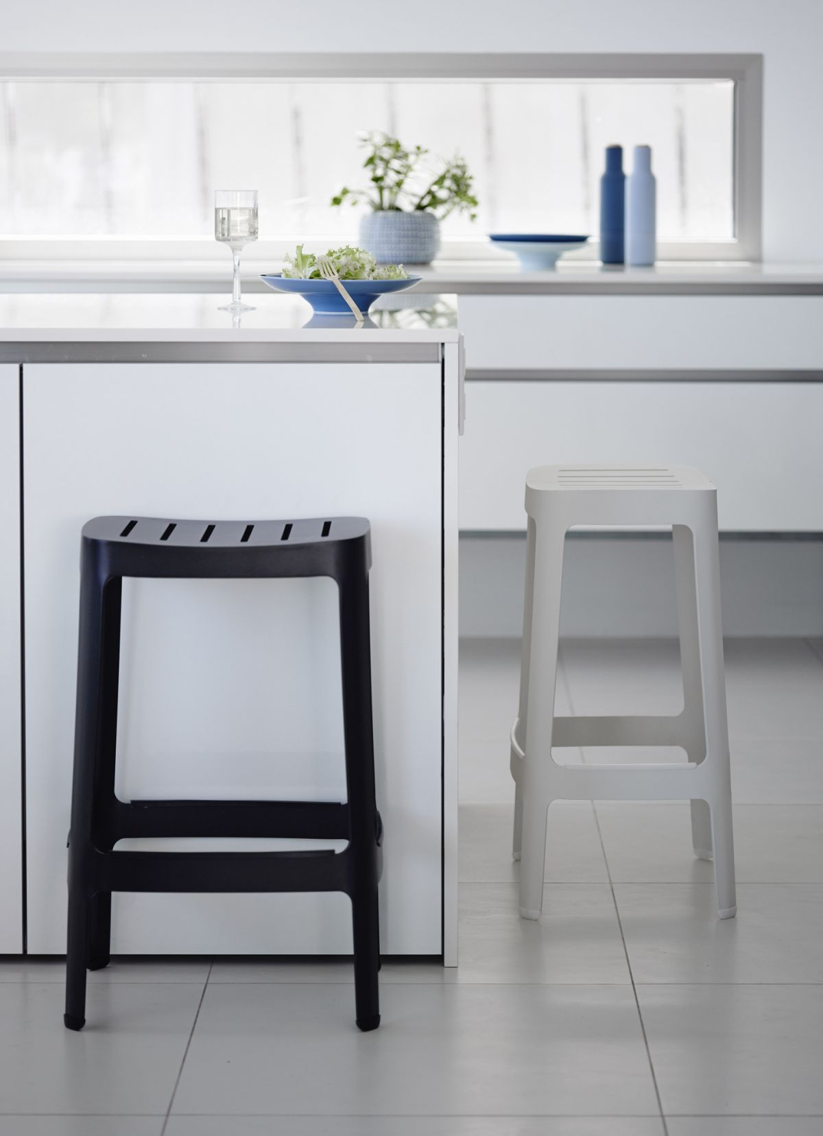 tall kitchen cabinets play ikea black and white bar stools – how to choose use them