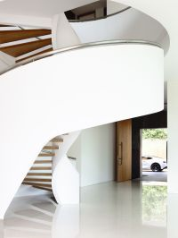 Modern Staircases That Stand Out For Unique Reasons