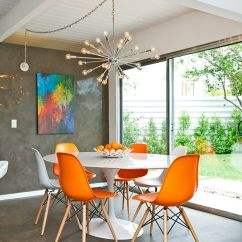 Tulip Table And Chairs Bentwood High Chair The Bloom That Doesn T Fade Saarinen S Orange Eames With