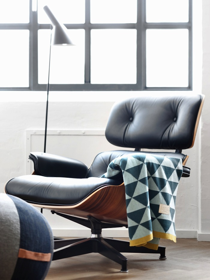 charles eames lounge chair adult bath the iconic comfortable and versatile