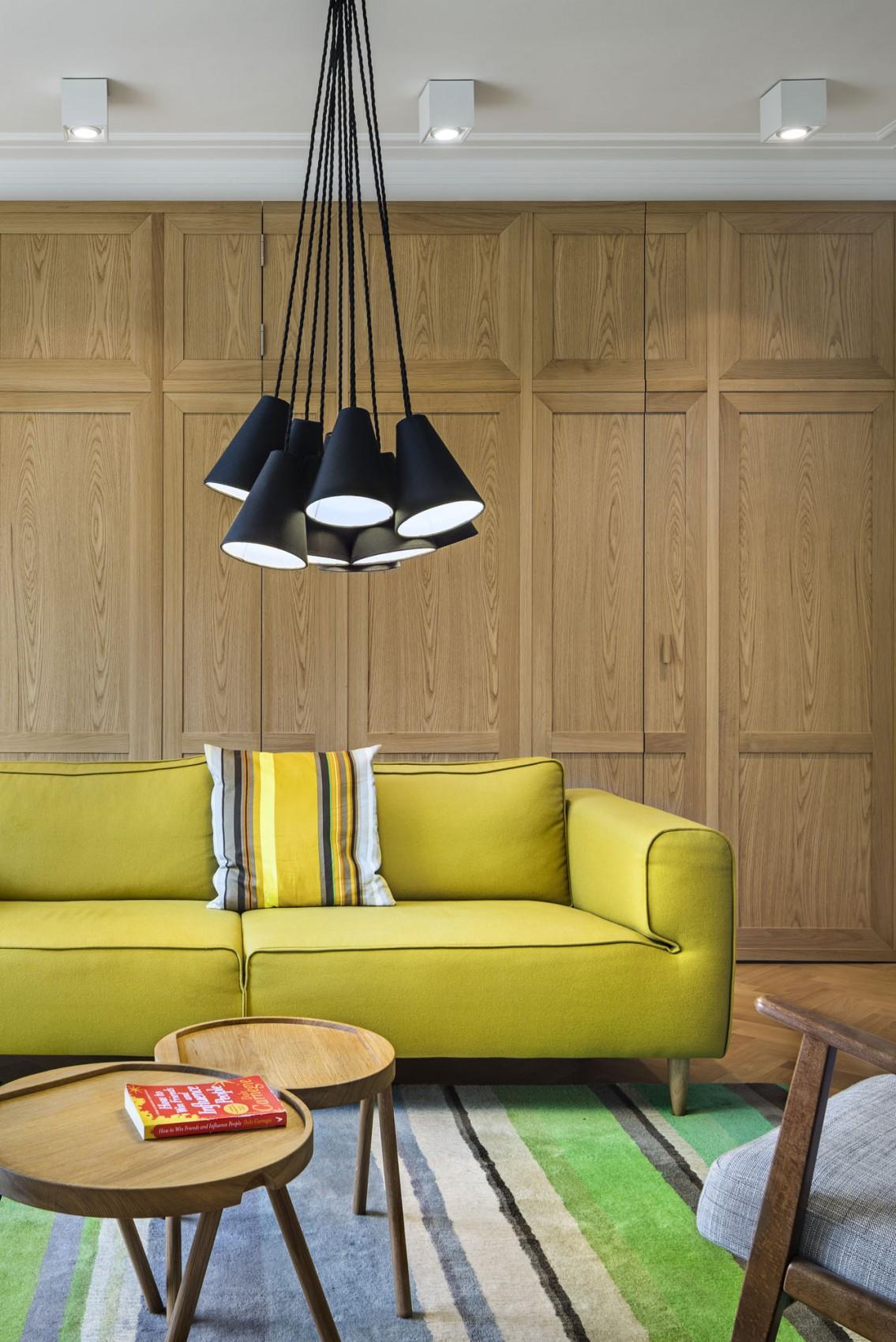 Apartment H01 sofa and area rug
